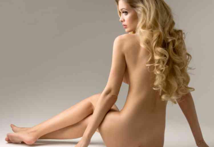 熟女の裸イメージ