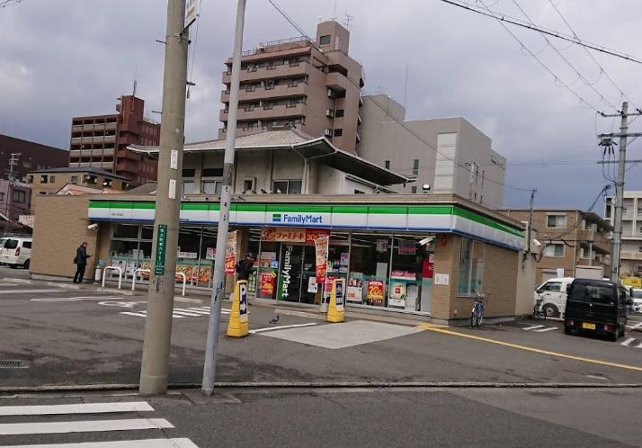 ファミリーマート 堺市之町東店