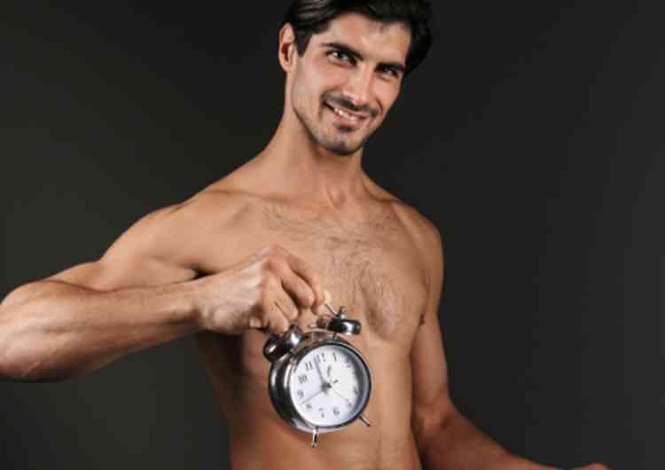 時計を持つ男