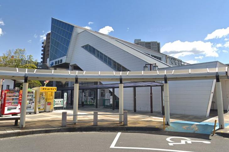 栗東駅の西口に到着